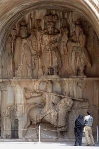 طاق بستان نمونه ای از هنر ساسانی
